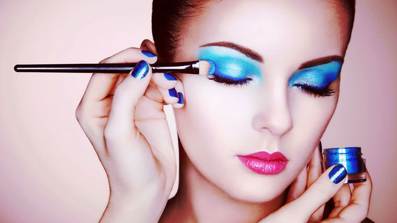How to select the best makeup artist near you?